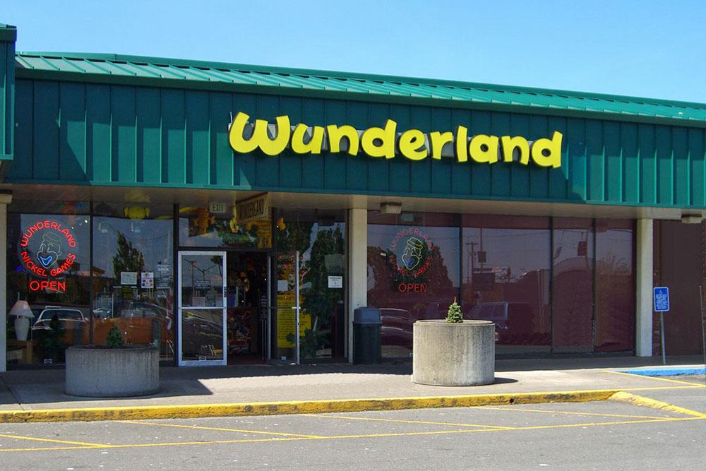 Salem Wunderland Storefront